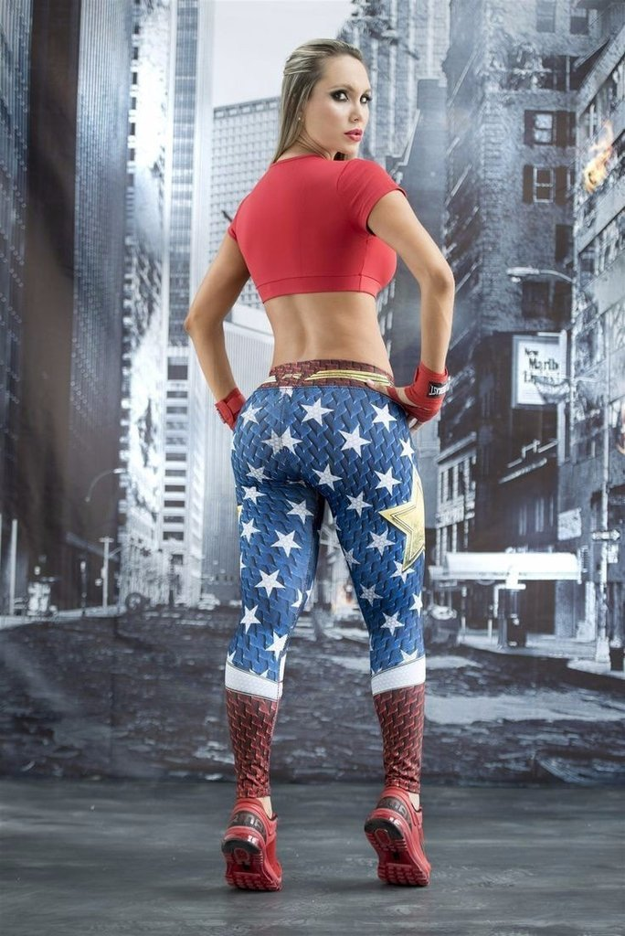 Wonder Woman Dry-Fit Leggings
